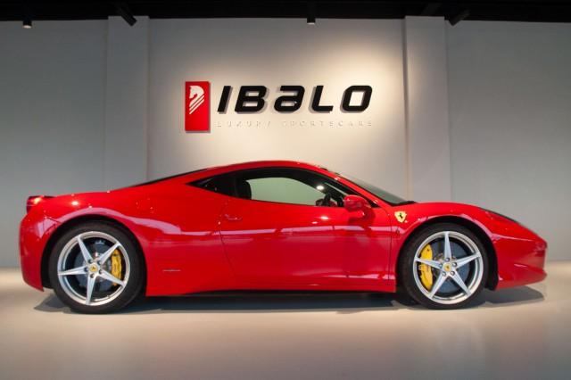 Ferrari zijkant